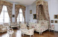 Château de Digoine, French Filmmaker Jean-Louis Remilleux's Antique-Filled Chateau... the Chambre d'Honneur.