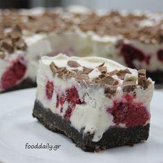 Τούρτα παγωτό με raspberries και μπισκότα