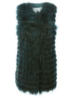 #numerootto #greenvest #raccoonvest #furvest #furs #longvest #musthave #womenswear #womensfashion www.jofre.eu