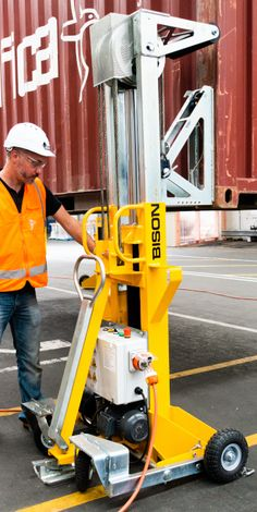 13 Ideas De Gruas Cpontenedores Gruas Contenedores Habitables Container Maritimo