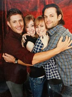 J2 photo op #ChiCon2013 this is adorable.