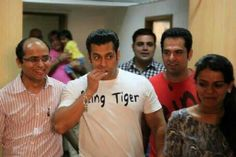 #Salmankhan eating!! Nyum2