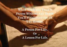 少しの疑いも抱かず心底人を信用した結果、得るものは2つに1つ。一生の友、あるいは、人生の教訓。