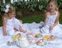 impromptu tea party picnic!