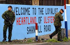 Throughout the Troubles both Republicans and Loyalists painted large murals on buildings. Northern Ireland Troubles, Belfast Northern Ireland, Ireland Uk, Belfast Murals, Irish Republican Army, Orange Order, King William, Rangers Fc, Irish American