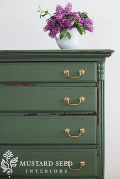 Miss Mustard Seed's Milk Paint is a versatile milk paint that is available in 25 gorgeous colors and can be purchased through retailers around the globe. Milk Paint Furniture, Furniture Wax, Green Furniture, Hand Painted Furniture, Distressed Furniture, Painted Pianos, Favorite Paint Colors, Miss Mustard Seeds, Green Home Decor