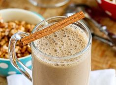 Healthy Coffee Banana Smoothie Recipe - 1 cup chilled Seattle's Best brewed coffee 1 bananas, cut into chunks 1 cup nonfat plain Greek yogurt 1 tbsp ground flax seed 2 tsp honey or agave nectar tsp ground cinnamon tsp grated nutmeg 6 ice cubes Best Smoothie, Coffee Banana Smoothie, Banana Protein Smoothie, Banana Coffee, Yogurt Smoothies, Smoothie Drinks, Healthy Smoothies, Juice Smoothie, Healthy Drinks