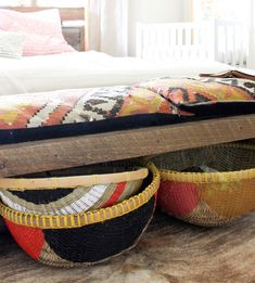 DIY painted baskets! Spraypainting and dipping are the easiest methods. #decor #storage
