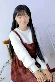 Holy horses her hair is long Cute Celebrities, Celebs, Pretty People, Beautiful People, New Year Concert, Shan Cai, School Girl Japan, Romantic Films, A Love So Beautiful