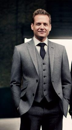 The Harvey Specter Suit. Love the hacking pocket style and the ticket pocket. Suits Harvey, Harvey Specter Suits, Grey Tweed Suit, Mens Tweed Suit, Mens Suits, Suit Men, Suits Usa, Sharp Dressed Man, Well Dressed Men