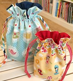 Lined Drawstring Bag - Ein Wohlfühl-Nähprojekt - greenfietsen. Drawstring Bag Diy, Drawstring Bag Pattern, Drawstring Bag Tutorials, Pouch Pattern, Small Sewing Projects, Sewing For Kids, Patchwork Bags, Quilted Bag, Diy Bags Purses