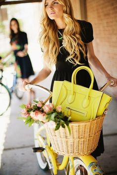 To know more about Celine Street style, visit Sumally, a social network that gathers together all the wanted things in the world! Featuring over other Celine items too! Cycle Chic, Celine Bag, Celine Luggage, Celine Handbags, Looks Style, Style Me, Velo Vintage, Bike Style, Mellow Yellow