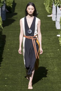 Tory Burch Spring 2018 Ready-to-Wear Collection Photos - Vogue
