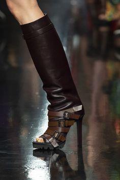 Fall 2019 Fashion Show Details Men Fashion Show, Punk Fashion, Fashion Boots, Retro Fashion, Suede Boots, Leather Boots, Bootie Boots, Unique Shoes, Dress With Boots
