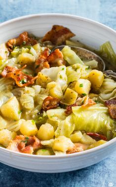 Vintage French Soul ~ Cabbage and Potato Soup with Bacon: Cabbage and potato aren't the trendiest ingredients, but together (with a generous amount of bacon), they make for a comforting and easy weeknight soup. Cabbage Potato Soup, Potato Bacon Soup, Cabbage And Potatoes, Cabbage And Bacon, Cabbage Recipes, Soup Recipes, Dinner Recipes, Cooking Recipes, Russet Potatoes
