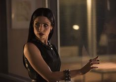 Trailers, promos, clips, featurette, images and posters for SHADOWHUNTERS Season Anna Hopkins, Shadowhunters Season 3, Isabelle Lightwood, Shadow Hunters, The Mortal Instruments, Old Tv, Face Claims, Tv Series, Fangirl