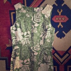 """Printed Sheath Dress Excellent condition. 100% cotton green and white print dress by Villager, a Liz Claiborne company. Size 6. Zips down back with button belt detail across back to front sides. No slit. Approximately 40"""" from shoulder to hem Liz Claiborne Dresses"""