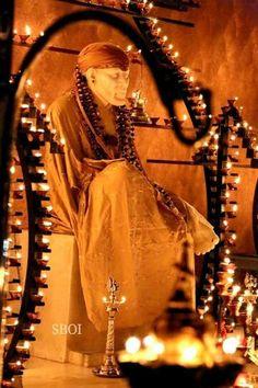 Sai Baba Pictures, Sai Baba Photos, God Pictures, Hanuman Pics, Indian Spirituality, Shirdi Sai Baba Wallpapers, Sai Baba Hd Wallpaper, Sathya Sai Baba, Baba Image