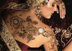 There are many types of mehndi patterns girls here. Mehndi or Henna Designs are different for different occasions. Like Mehndi Designs for. Mehndi Tattoo, Henna Tattoo Designs, Henna Tattoos, Bridal Henna Designs, Gold Tattoo, Mehandi Designs, Mandala Tattoo, Body Art Tattoos, Henna Mehndi