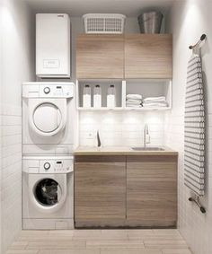 Aménagement d'une petite buanderie moderne avec lave-linge et sèche-linge http://www.homelisty.com/amenager-petite-buanderie-astuces/ #HomeDecor