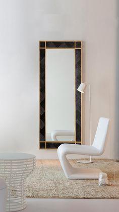 WoodBlack - Black Mamba VI, Woodboz  WoodBlack Koleksiyonundan duvarlarınız için benzersiz bir ahşap panel. Tamamen el işçiliği, doğal masif ahşaptan yapılmıştır. Mutfak, oturma odası, yemek odası ve ofisler için ideal bir duvar dekorasyon ürünüdür. Wood Mirror, Oversized Mirror, Furniture, Home Decor, Decoration Home, Room Decor, Home Furnishings, Home Interior Design, Home Decoration