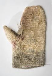 Nalbound mitten, Porajärvi, Olonets Carelia, Russia. Prior to 1941. Length 26 cm, width 18 cm.