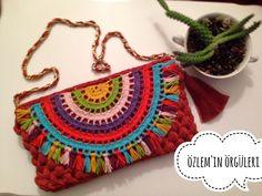 Marvelous Crochet A Shell Stitch Purse Bag Ideas. Wonderful Crochet A Shell Stitch Purse Bag Ideas. Crochet Clutch Bags, Crochet Coin Purse, Crochet Pouch, Crochet Backpack, Crochet Handbags, Crochet Purses, Crochet Bags, Love Crochet, Crochet Flowers