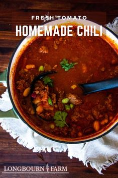 This chili with fresh tomatoes recipe is a great way to use up those vine ripe tomatoes from the garden. It's a fabulous dinner recipe that is packed with flavor, veggies, beans, and meat and requires a little effort and patience to come together. Easy Family Meals, Easy Meals, Garden Vegetable Recipes, Fresh Tomato Recipes, Great Northern Beans, Homemade Chili, Light Recipes, Dinner Recipes, Favorite Recipes