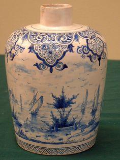 18th c. Delft blue pottery jar