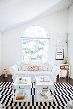 One-bedroom apartments can be fun, just-for-me spaces, but sometimes they start to feel too crowded with decor. How do you create a stylish and comfortable home on only a few hundred square feet? Find out here.
