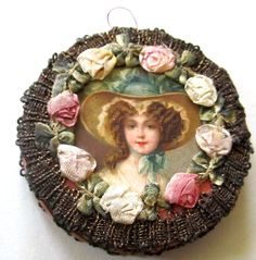 FABULOUS ANTIQUE SEWING KIT GOLD WIRE THREAD & SILK FLOWERS VICT. LADY PICTURED