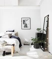 5 Tips for Mastering Minimalist Decor - Minimalist Cute Bedroom Decor, Small Room Bedroom, Trendy Bedroom, Cozy Bedroom, Bedroom Ideas, Bedroom Curtains, Modern Bedroom, Master Bedroom, Bedroom Minimalist