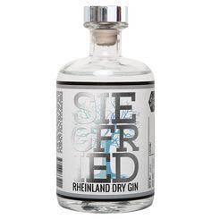 """Unser Geheimtipp: Der deutsche Gin """"Siegfried"""". Es ist der erste Gin deutscher Herkunft der international prämiert und ausgezeichnet wurde. Der unverwechselbare warme Charakter zeichnet diesen Gin mit Lindenblüte aus."""