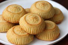 Maamoul Date Cookies - Amanda & # s Plate # Arabic Sweet Cookies Maamoul Date Cookie . Arabic Dessert, Arabic Sweets, Arabic Food, Yummy Recipes, Sweets Recipes, Cookie Recipes, Rice Recipes, Lebanese Desserts, Lebanese Recipes