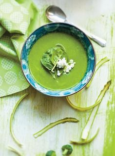 Ricardo& recipe : Cream of Green Vegetable Soup Cream Of Vegetable Soup, Vegetable Soup Recipes, Veggie Soup, Brocoli Soup, Spinach Soup, Irish Potato Soup, Ricardo Recipe, Green Soup, Soups