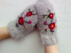 Lopi mittens by f r k s n u p p, via Flickr