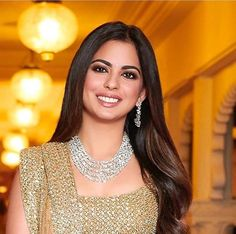 This is why Isha Ambani is the queen of traditional Indian attire - mumbai guide Indian Wedding Gowns, Indian Wedding Jewelry, Saree Wedding, Indian Bridal, Bridal Jewelry, Indian Jewelry, American Diamond Jewellery, Diamond Jewelry, Gold Jewelry