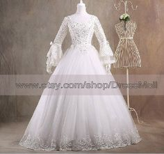 V Neck Modest Vintage Ball Gown Wedding Dress with long sleeves 2014 Bridal Gown