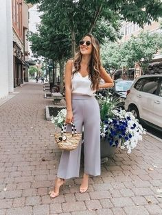 Chic Outfits For Edgy and Chic Outfits For Women fashion style stylish girl fashion womens fashion fashion outfits Source by Classy Outfits, Chic Outfits, Fashion Outfits, Womens Fashion, Cool Summer Outfits, Outfit Summer, Outfit Trends, Instagram Outfits, Mode Vintage