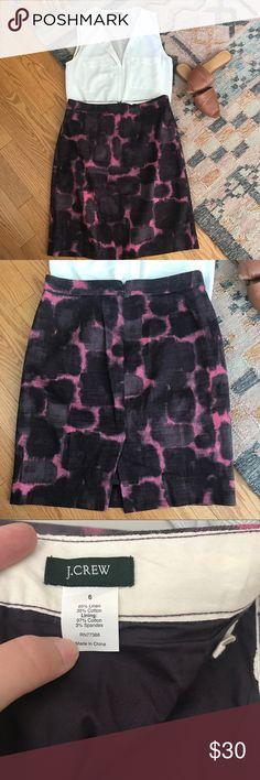 JCrew purple pencil skirt in size 6 Purple JCrew pencil skirt in excellent condition. Size 6. J. Crew Skirts Pencil