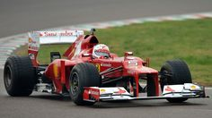 Vettel conseguiu bater os dois Mercedes e voltar a fazer a Ferrari sorrir