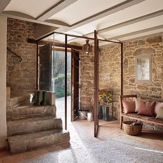 Casa Rustica en la Provenza / Rustic House in Provenza Style At Home, Rural House, Provence Style, Rustic Cottage, Spanish House, Entry Foyer, Stone Houses, Design Case, Home Fashion