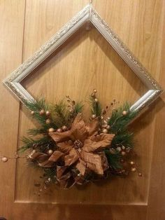 20 Beautiful Christmas Decorating Ideas on A Budget 17 - Joyeuxx Noel 2020 Picture Frame Wreath, Christmas Picture Frames, Picture Frame Crafts, Christmas Background, Christmas Pictures, Diy Christmas Decorations For Home, Christmas Centerpieces, Holiday Crafts, Christmas Diy