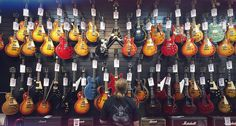 One of the famed guitar makers of the world faces serious trouble after more than a century in business. Gibson Guitars is on a downward trail, falling near to its…