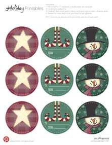 We just adore these holiday gift tag printables. And even better they are FREE on www.goldcanyon.com!
