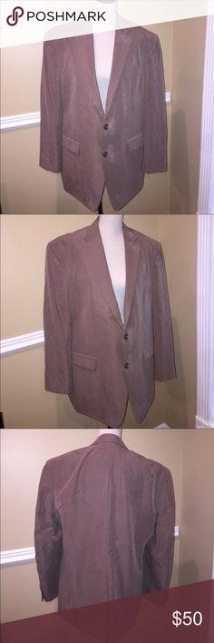 Ralph Lauren Blazer Men's Size 44R EXCELLENT CONDITION!!!!!!! Taupe color. Size 44R . Design on the inside.🎈Make an offer 🎈accepts most offers Lauren Ralph Lauren Suits & Blazers Sport Coats & Blazers