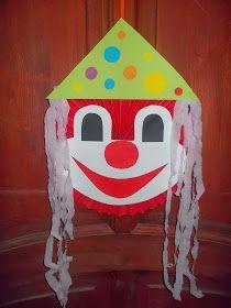 Csipke, madzag, ragasztó: farsangi dekoráció, bohócok Gingerbread, Bird, Creative, Outdoor Decor, Home Decor, Decoration Home, Room Decor, Ginger Beard, Birds