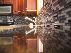 modern kitchen backsplash glass tiles