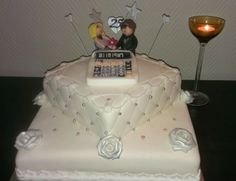 www.mycake.no   Facebook: Mycake    Cake with chocolate and orange filling for a silver wedding (25 years) day couple.