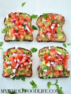 Southwestern Avocado Toast – My Whole Food Life Healthy Breakfast Idea. This Southwestern Avocado Toast is a great way to get fresh veggies and healthy fats into your breakfast. Healthy Desayunos, Healthy Snacks, Healthy Eating, Healthy Breakfasts, Clean Eating, Healthy Chicken, Chicken Recipes, Healthy Drinks, Whole Food Recipes